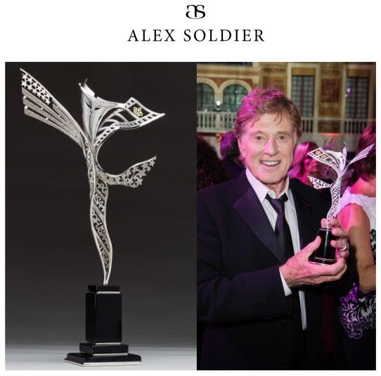 Долгий путь к независимому творчеству премию, Солдат, получил, Алекс, Soldier, изделий, выдающихся, миниатюр, выставках, менее, этого, людей, ювелирных, различных, создать, Platinum, Советском, бренд, совершенно, Союзе
