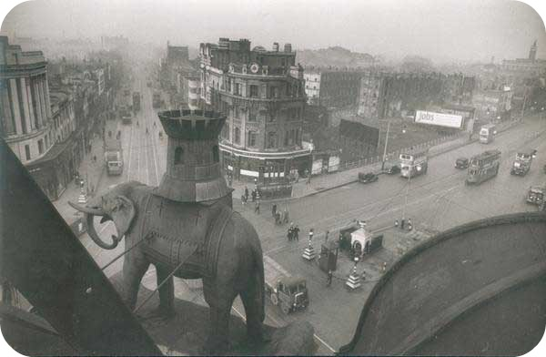 bert-hardy-the-elephant-and-the-castle.jpg
