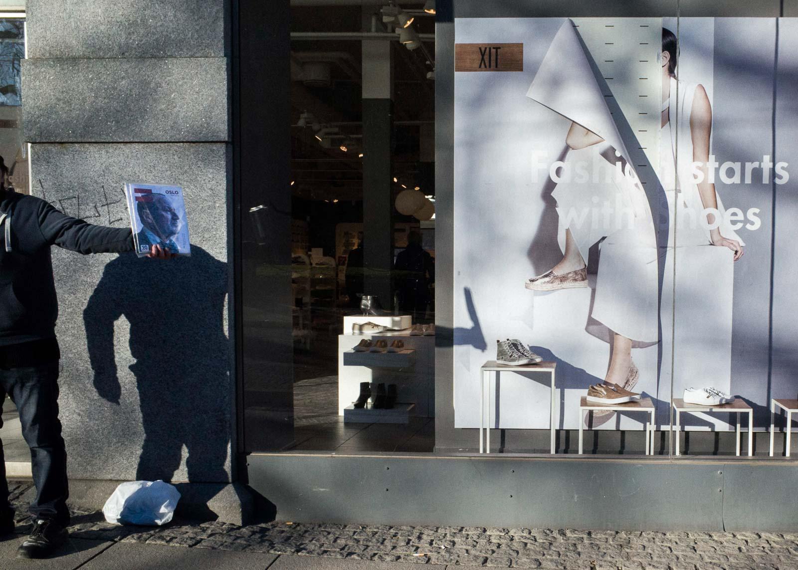 Фотограф Пау Бускату живет, Фотограф, образы, Барселону, Лондон, включая, всему, снимает, моментам, предсказательным, чутье, талант, острый, раскрывают, фотографии, откровенные, Бускату, уличной, сосредоточился, вообще