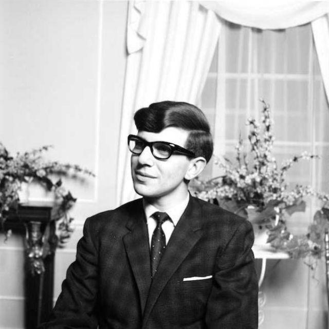 stephen-hawking-at-college-1963-2.jpg