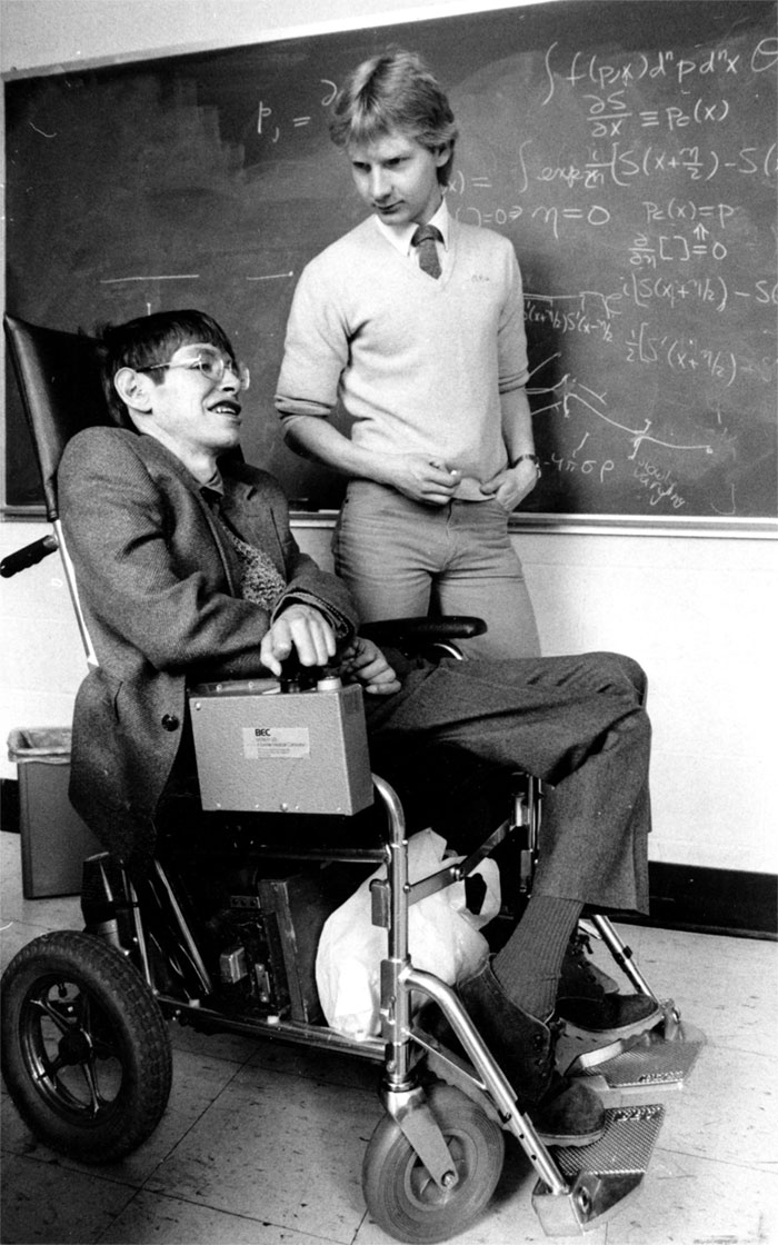 stephen-hawking-died-world-pays-tribute-27-5aa8d5c4ad813__700.jpg