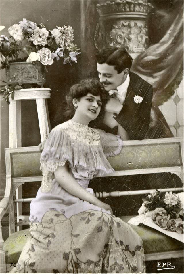 Vintage_romantic_postcards7.jpg