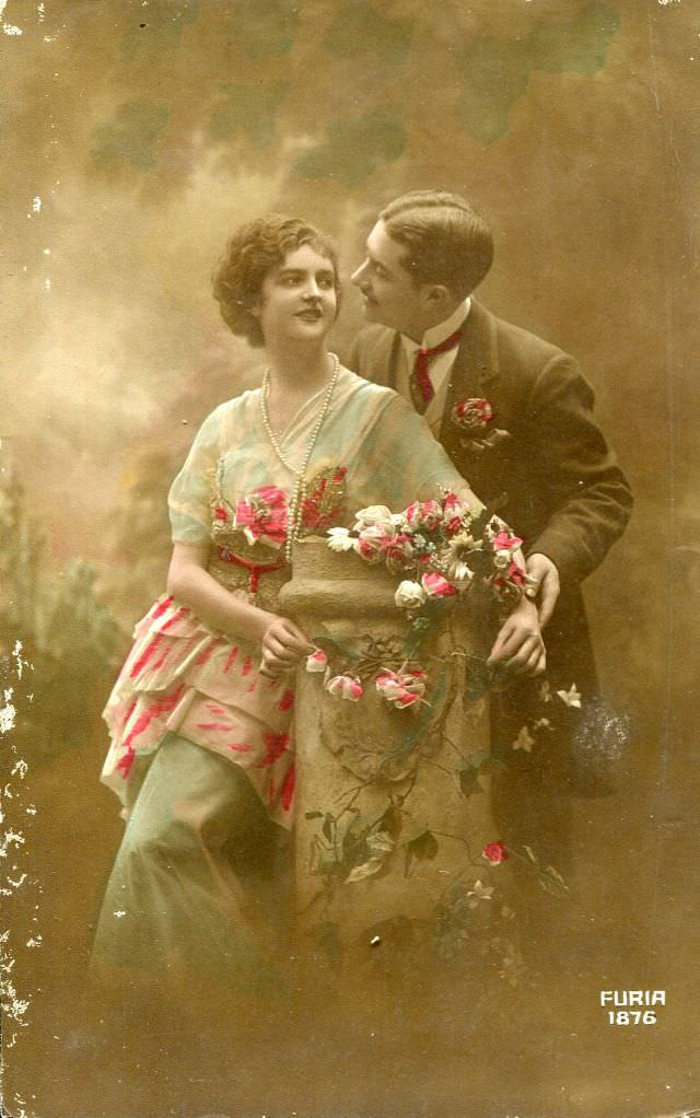 Vintage_romantic_postcards11.jpg