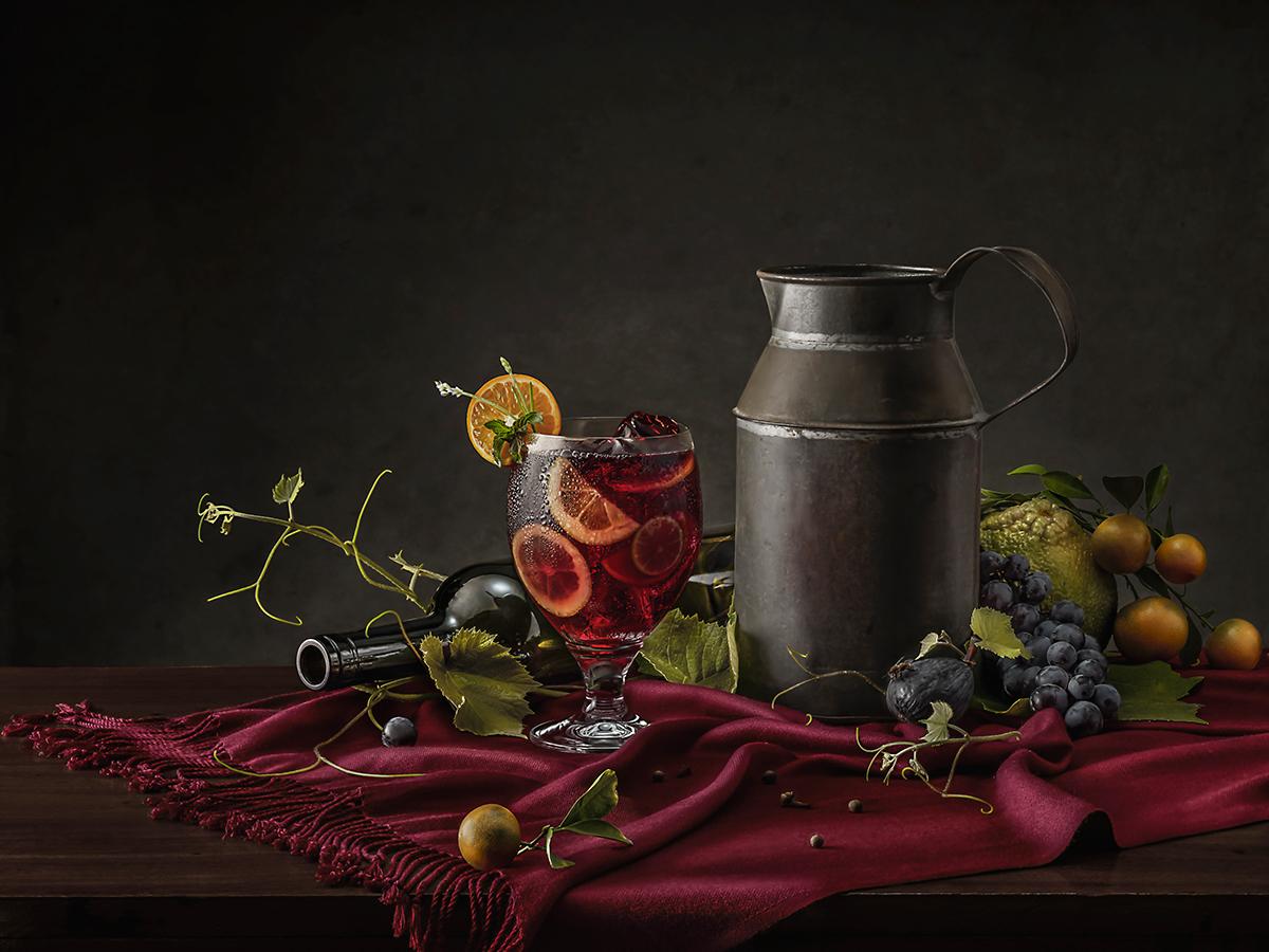 Классические коктейли с кружевным ренессансом Фотографы, цветов, просто, выглядит, веселее, гарнирами, овощами, травами, вздымающимися, букет, началась, Майерс, классических, коктейлей», Штрубе, Старинный, мастер, создал, Сангрию, Вермеер