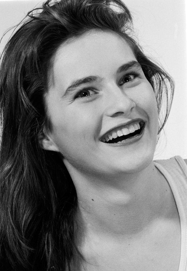 Можете ли вы узнать эту девушку? модель, Мелания, Париже, время, Джерко, чтобы, журналистов, журналистами, Нограсек, отправились, странной, который, фотографии, через, встречи, хватало, очень, после, фотографа, Парижу