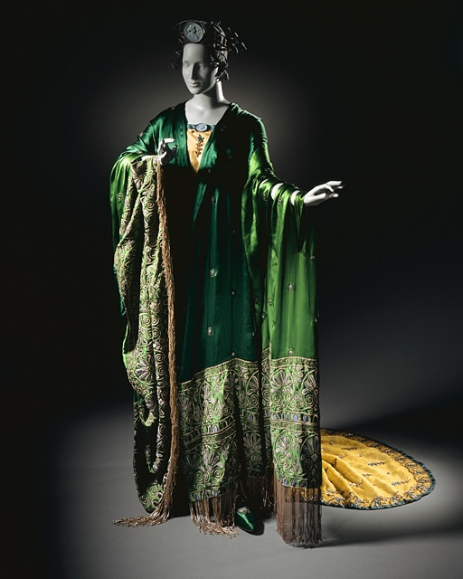 Erté-Romain-de-Tirtoff-Costume-for-Ganna-Walska-as-Floria-Tosca-in-Tosca-Act-II-Womans-Gown-with-Shawl-and-Crown-1920..jpg