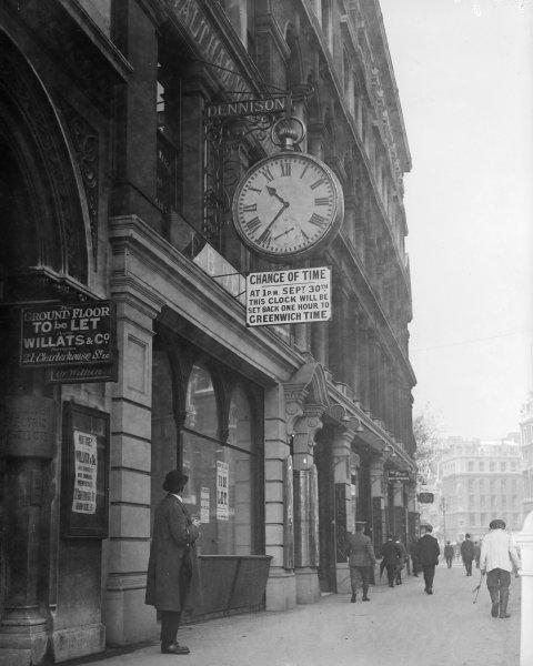 GMT Clock