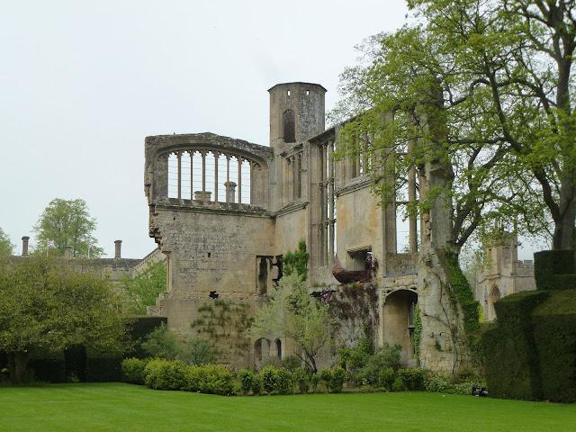 sudeley-castle-drama-royalty-history-and-stun-L-xjSVgL