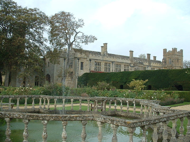 800px-Sudeley_Castle_view_from_garden_Oct07
