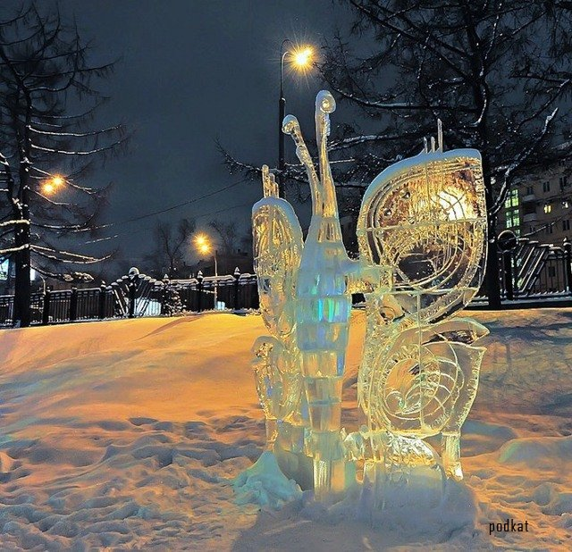 1298211480_ice_sculpture_3