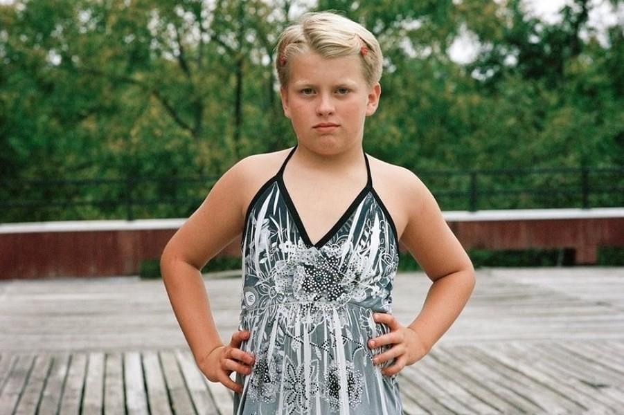 Транссексуал трахает мальчика