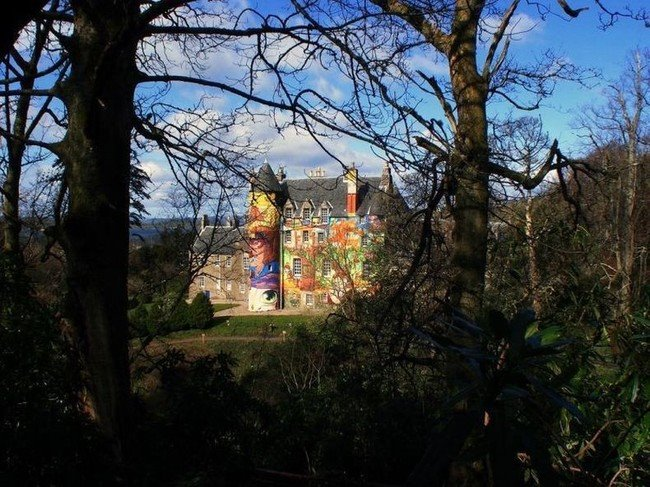 Kelburn-Castle-Graffiti-01