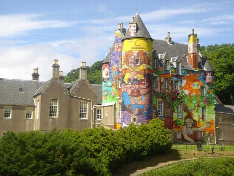 Kelburn-Castle-Graffiti-09