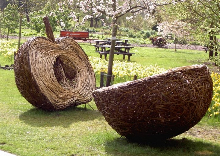 tom hare willow sculpture