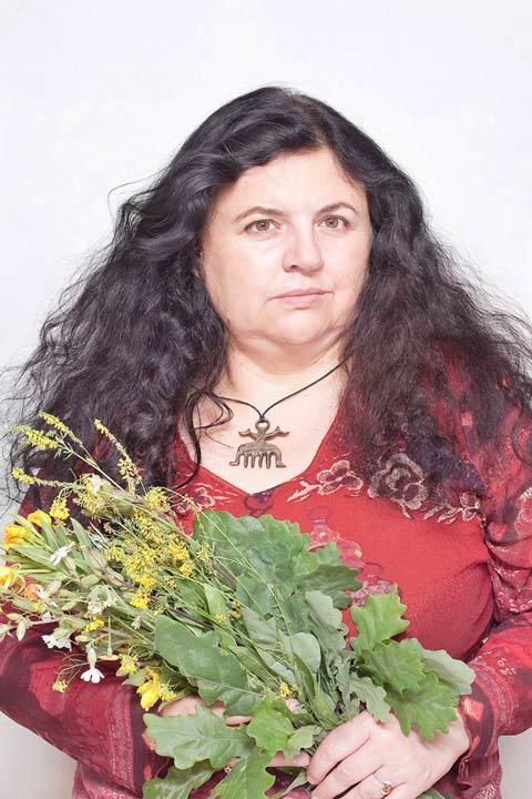 POLAND : Kasia a Herbal healer : © Majak Katarzyna : Anzenberger