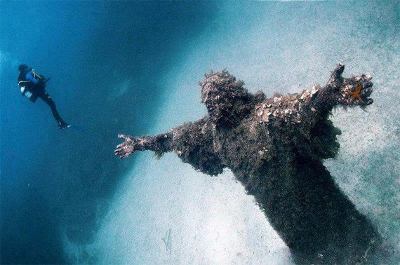 Статуя Иисуса. Мальта