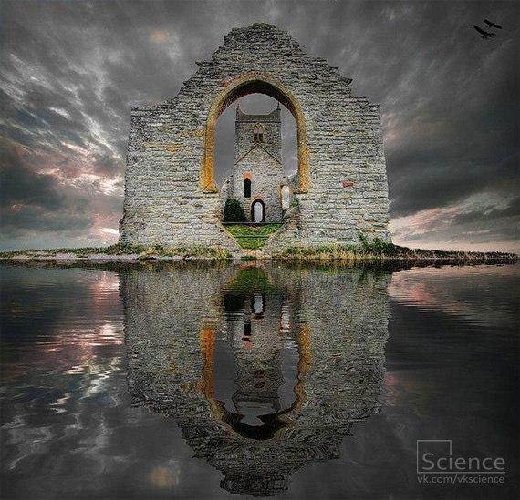 Руины замка. Лох Ард, Шотландия