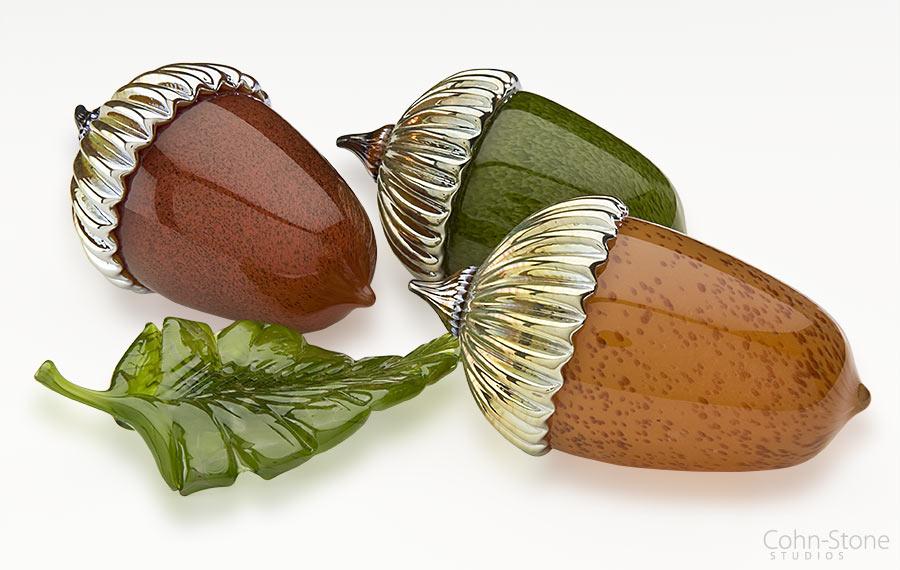 small-acron-leaf