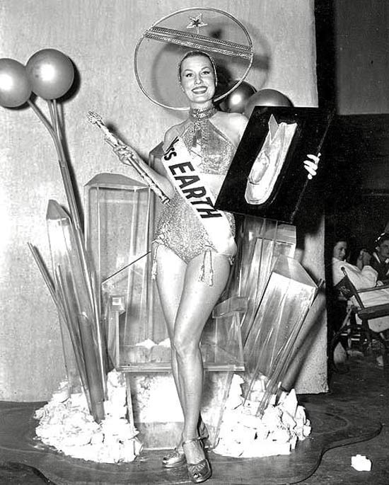 01-miss-earth-1952.jpg