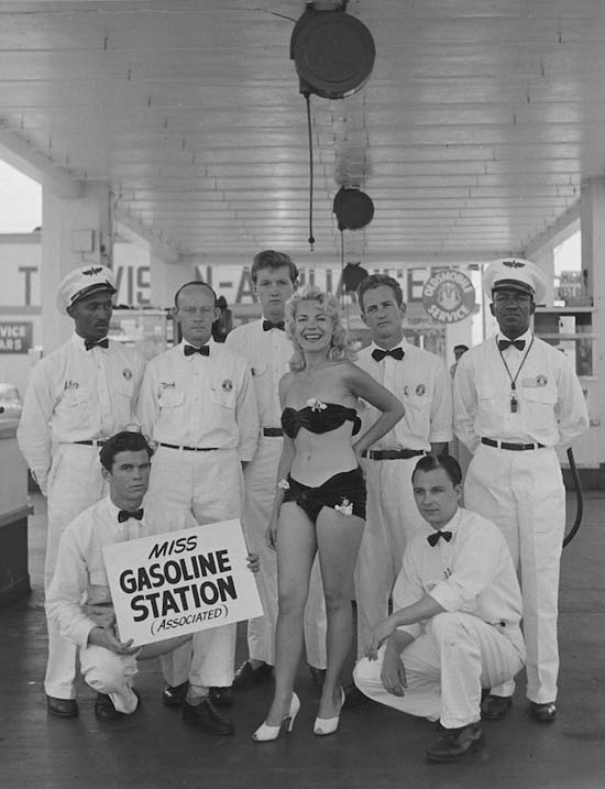 06-a-miss-gasoline-vintage-beauty-queen-1950.jpg