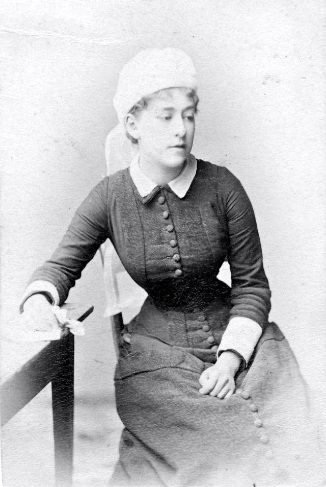 Victorian Women in the 19th Century (13).jpg