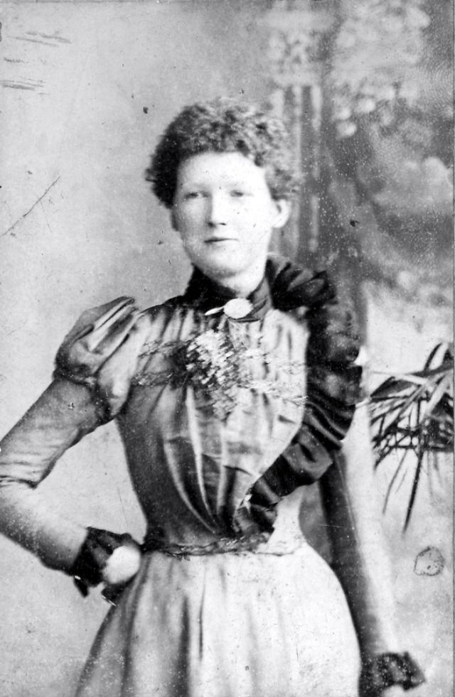 Victorian Women in the 19th Century (15).jpg