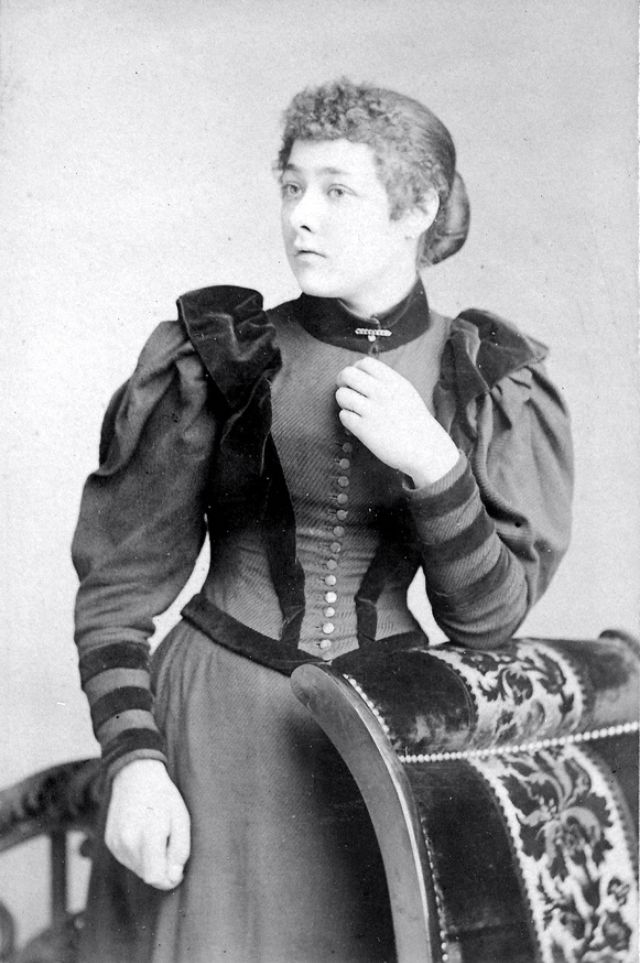 Victorian Women in the 19th Century (18).jpg