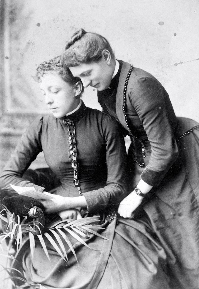Victorian Women in the 19th Century (31).jpg