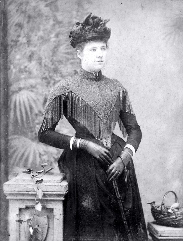 Victorian Women in the 19th Century (34).jpg
