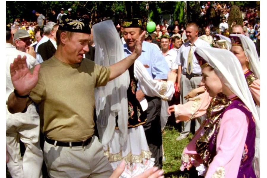 Сияющие танцполы – политические танцы