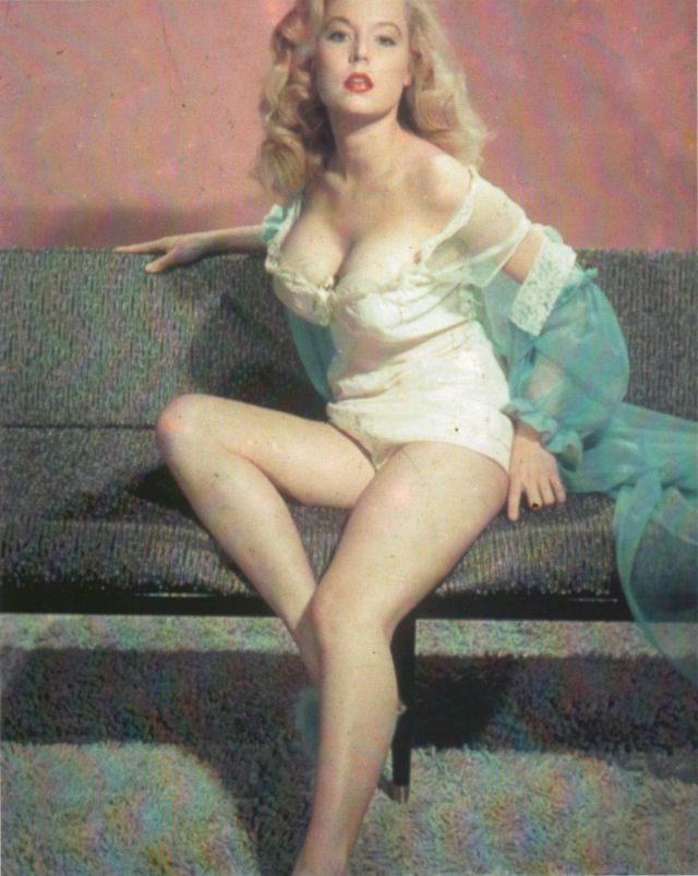 Betty Brosmer in the 1950s (15).jpg