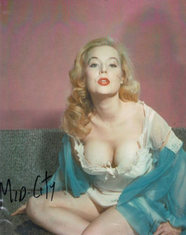 Betty Brosmer in the 1950s (29).jpg