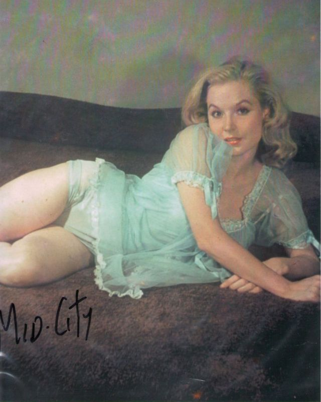 Betty Brosmer in the 1950s (30).jpg
