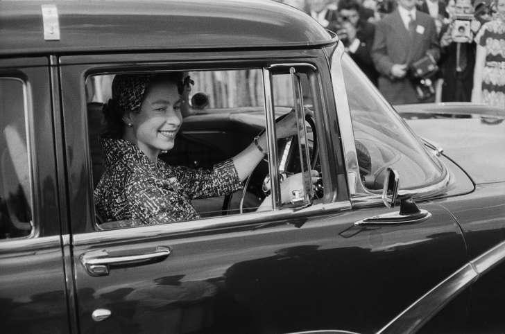 Реальные факты о королеве Елизавете II Элизабет, Елизавета, время, Королева, короля, Маргарет, рождения, принца, когда, королева, герцог, принц, которая, своей, который, королевской, всего, Георга, Гарри, Меган