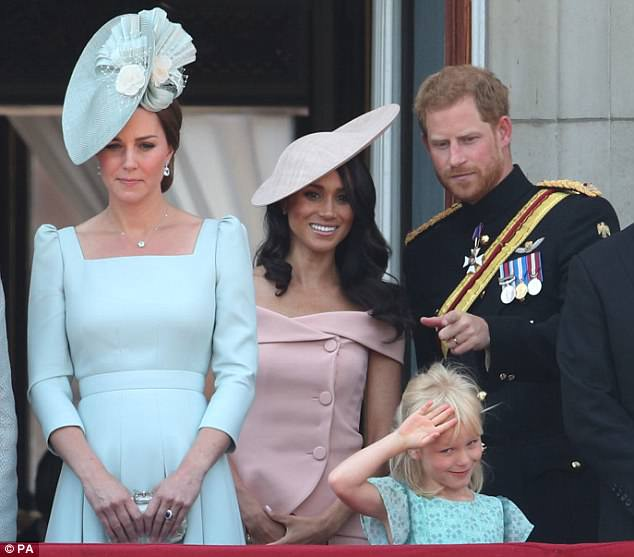 4D13F29400000578-5833837-_left_to_right_The_Duchess_of_Cornwall_Duchess_of_Cambridge_and_-m-20_1528793836509.jpg