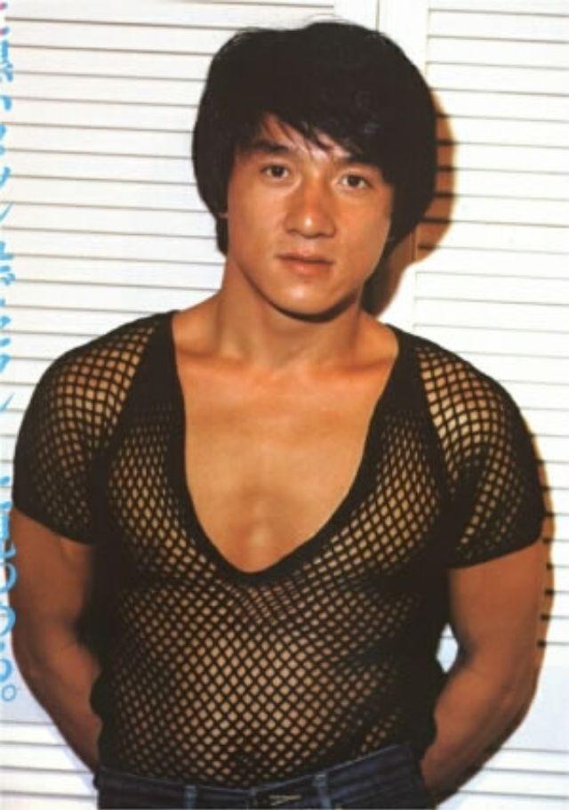 Каким был молодой Джеки Чан? всегда, молодости, действительно, чудесный, боевые, умения, которые, демонстрировал, своем, особом, неповторимом, Оставим, стиле, посмотрим, одевался, очаровывал, поклонниц, нравится, Джеки, стороне