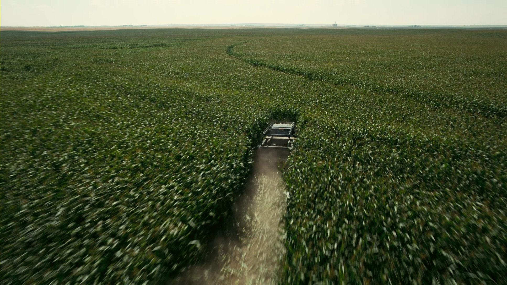 000-car-cornfield.jpg