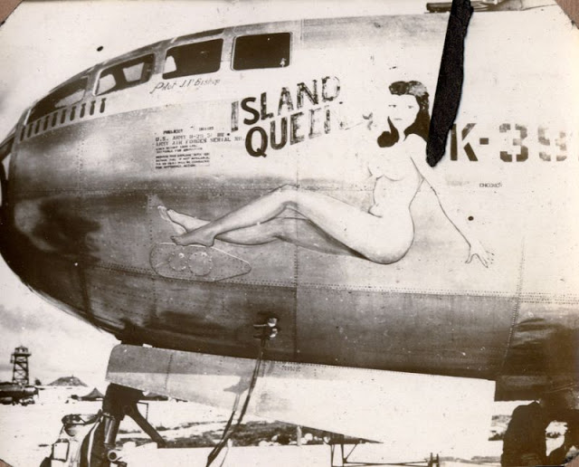 Pin-up Bombshell Nose Art of World War II Bombers (9).jpg