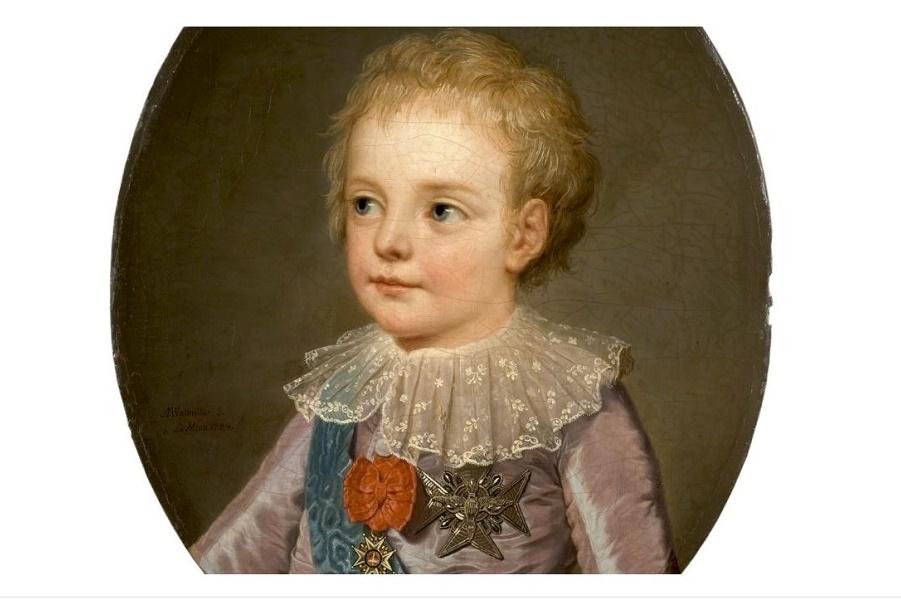 Цвет детской неожиданности: модный для одежды знати в поддержку монархии