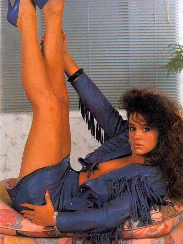 Rah-rah Skirt 1980s (3).jpg