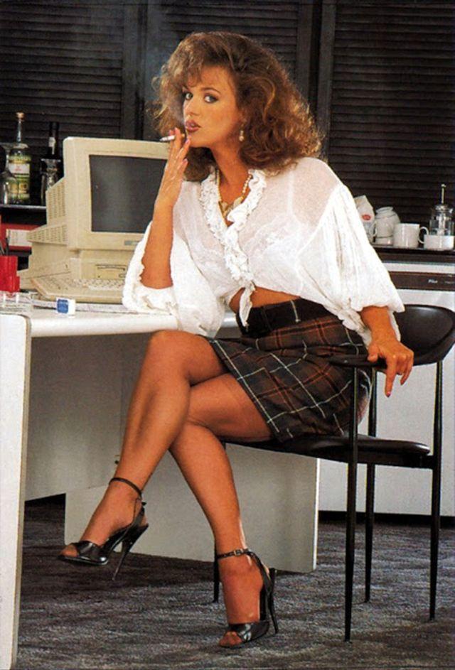 Rah-rah Skirt 1980s (4).jpg