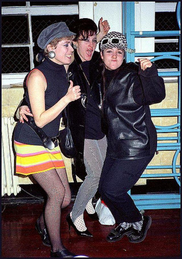 Rah-rah Skirt 1980s (5).jpg