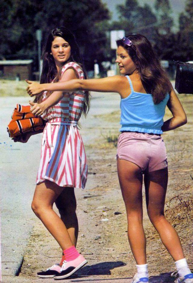 Rah-rah Skirt 1980s (11).jpg