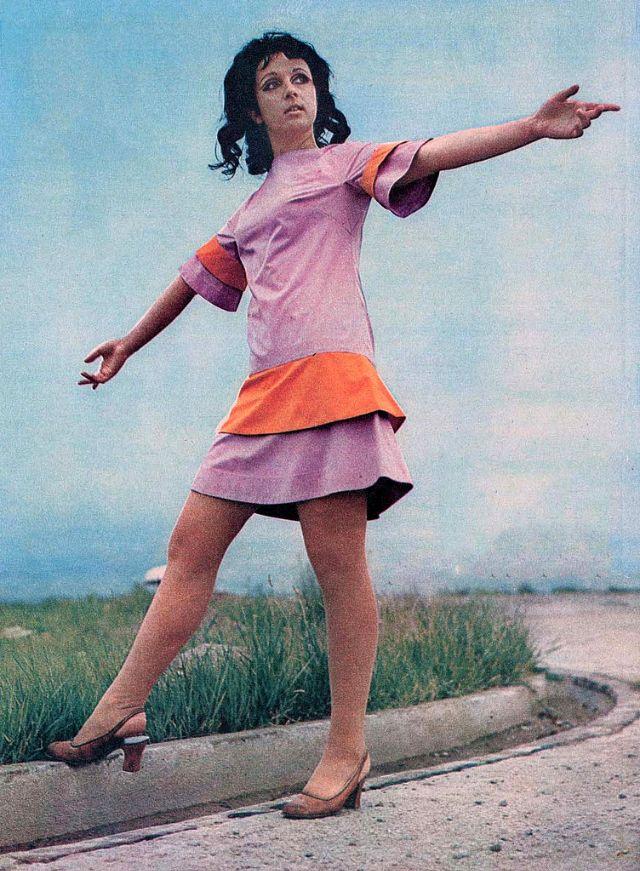 Rah-rah Skirt 1980s (17).jpg