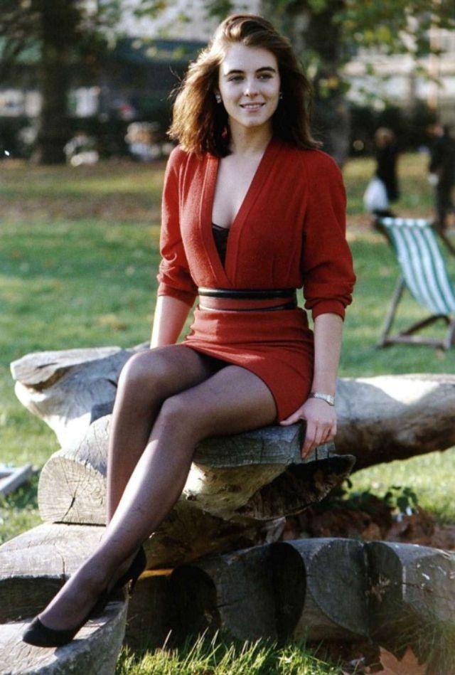 Rah-rah Skirt 1980s (19).jpg