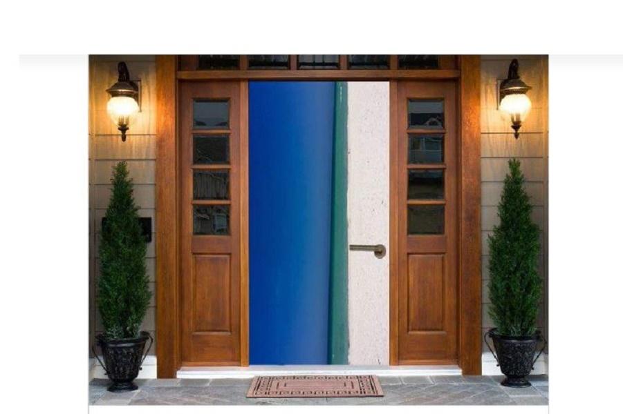 Новая иллюзия: пляж или дверь?