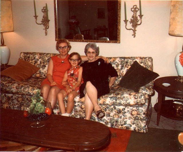 vintage-couch-8.jpg