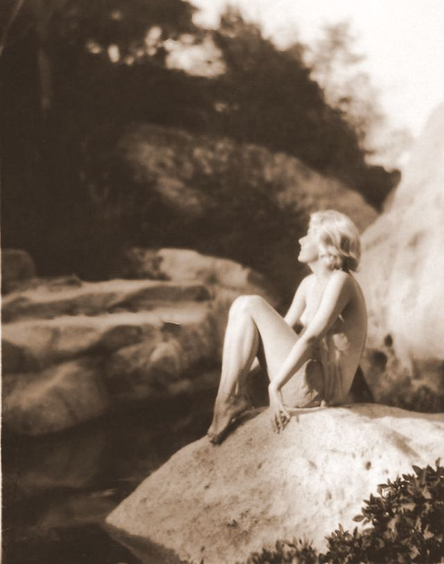 Jean Harlow Taken by Edwin Bower Hesser, 1929 (2).jpg