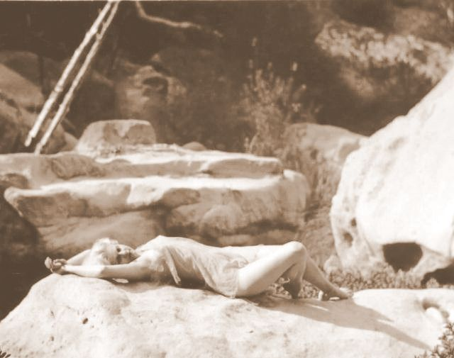 Jean Harlow Taken by Edwin Bower Hesser, 1929 (7).jpg