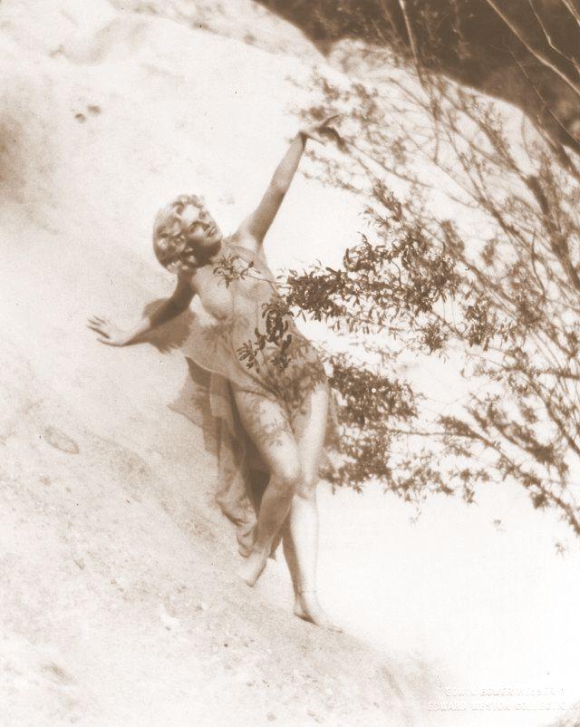 Jean Harlow Taken by Edwin Bower Hesser, 1929 (8).jpg
